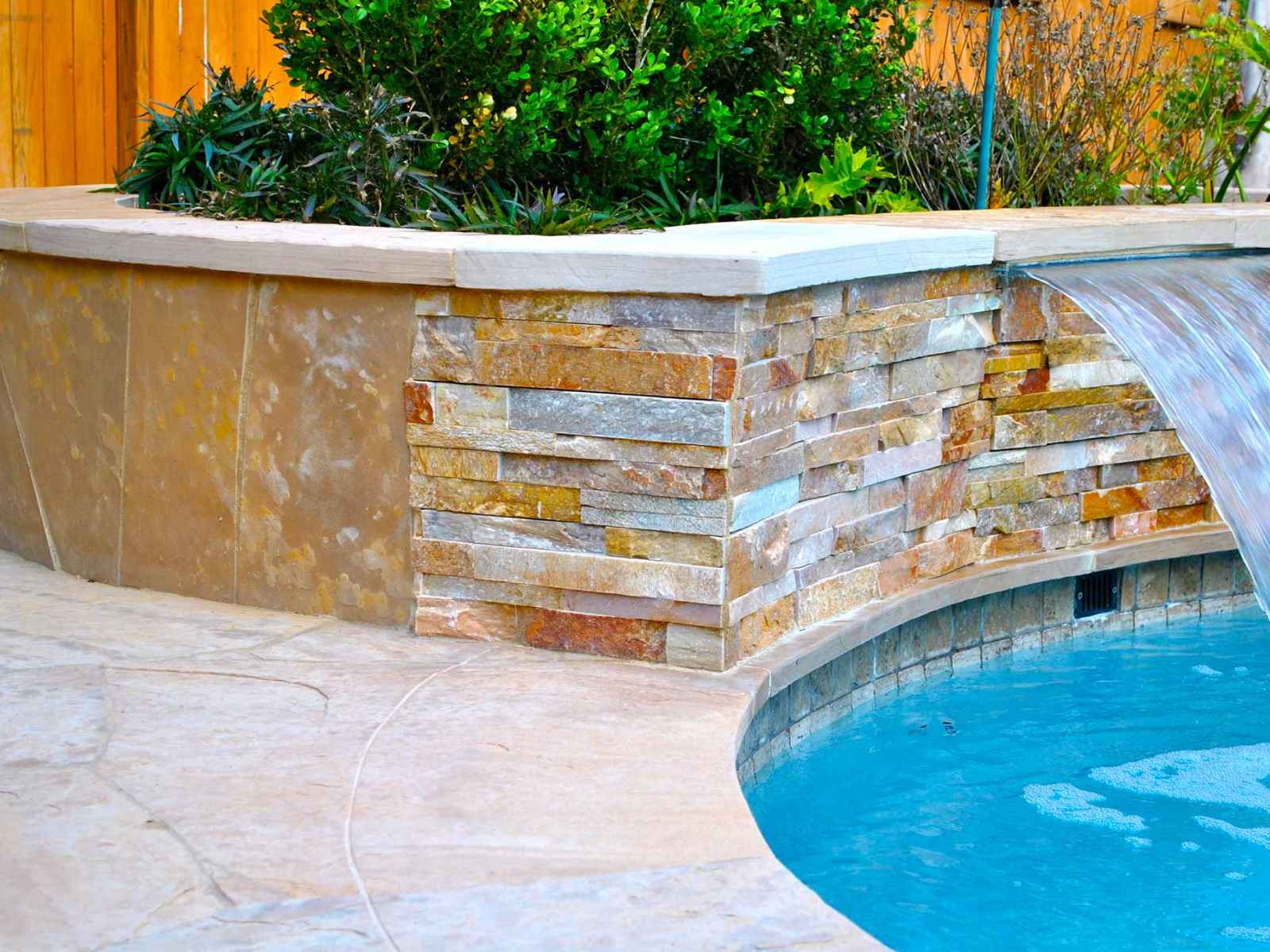 The-Woodlands-Pool-Builder-3